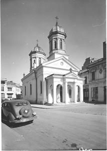 foto biserica sec XX-300x421